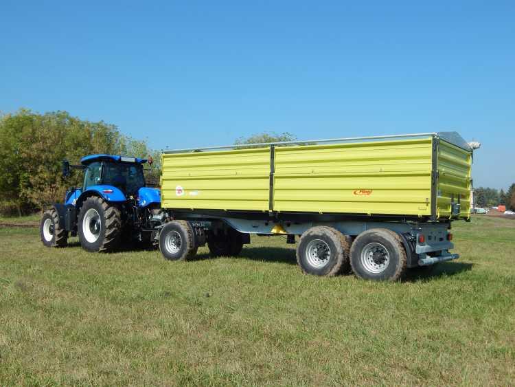 Háromtengelyes, mezőgazdasági körülményekre fejlesztett, légrugós hátsótengelyfelfüggesztésű, forgózsámolyos pótkocsi
