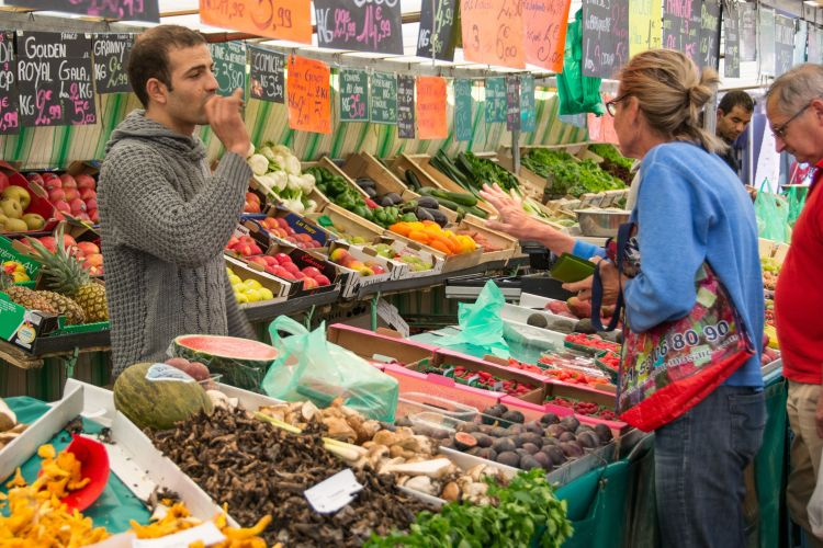 A kiskereskedelmi élelmiszerpiacon a vendéglátás kiesésével megjelenik az a fizetőképes kereslet, amelyik korábban megengedte magának az éttermi étkezést