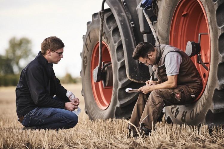 CLAAS traktor CEMOS opcióval