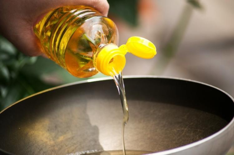 etolaj novenyi olaj
