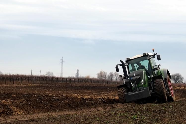 Mezőgazdasági tevékenység traktorral