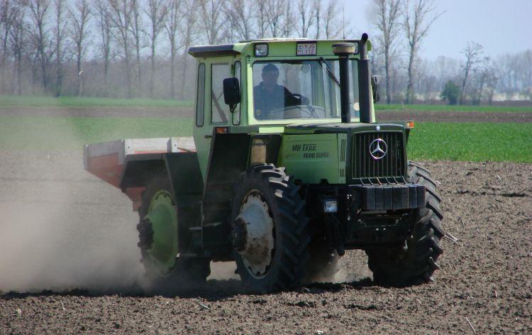 traktor gép könyvelés